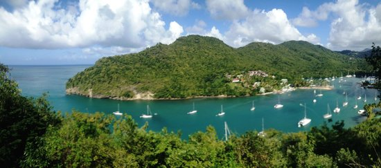 The Inn On The Bay : panoramic views of marigot bay from the deck