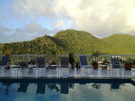 The Inn On The Bay : pool views