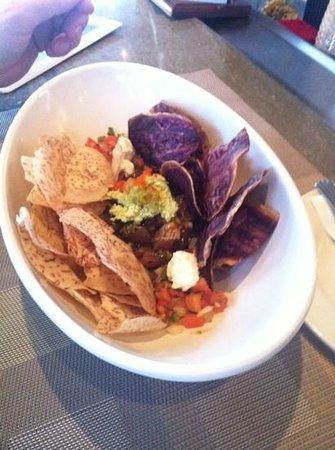 Hyatt Regency Maui Resort and Spa: poke nachos Marilyn home run suggestion!