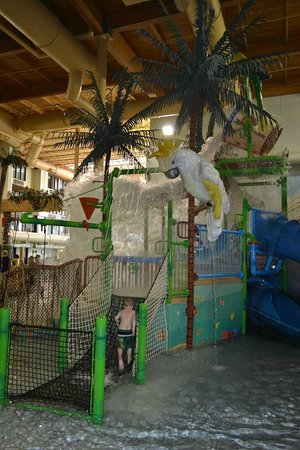Edgewater Hotel & Waterpark: Little-kid play complex