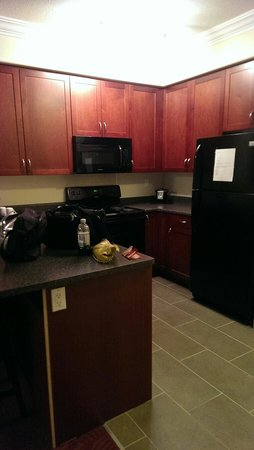 Kindersley Inn: Kitchen. Suite in new building