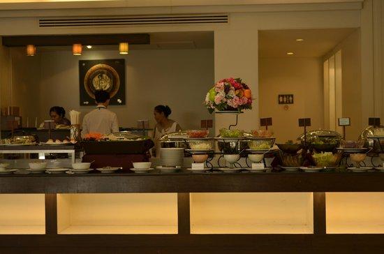 Chiangmai Grandview Hotel: buffet table