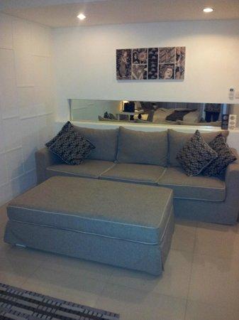 Astana Kunti: Big comfy lounge area