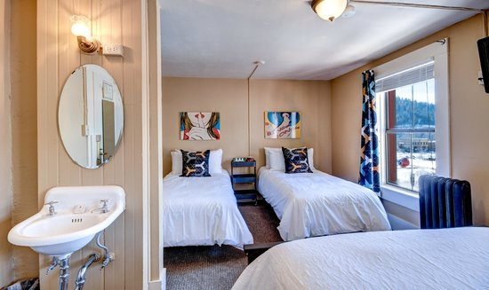 The Truckee Hotel: European Double-Twin-Twin