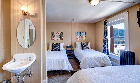 The Truckee Hotel : European Double-Twin-Twin