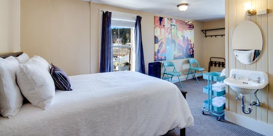 The Truckee Hotel: European Queen-Double