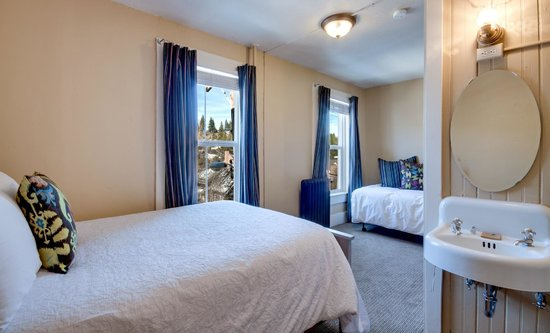 The Truckee Hotel: European Double-Twin