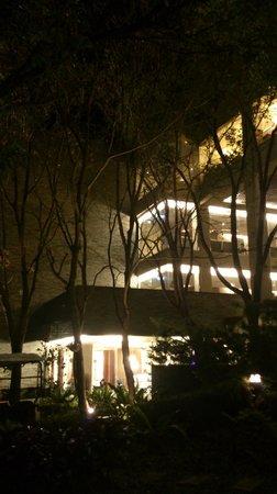 Cedarwood Villa: main building