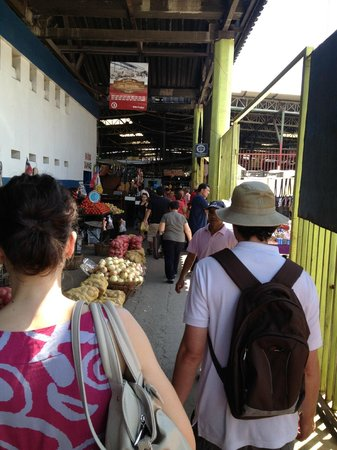 FoodyChile : On the way to Mercado Central with Colin
