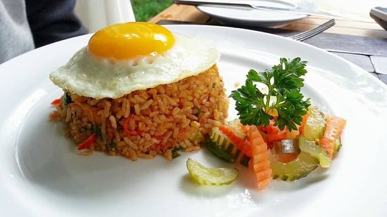 The Kayana Bali: Breakfast Indonesian set menu
