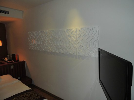 Sunrise Premium Resort Hoi An : Sunrise Hoi An Beach Resort - room art