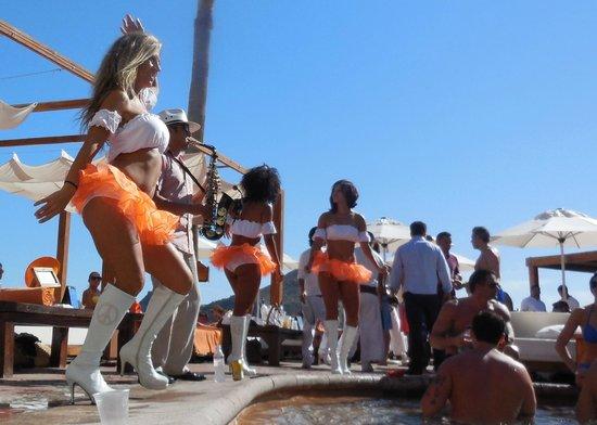 Nikki Beach: Rockin it