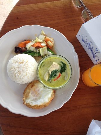 Perennial Resort : Thai Breakfast