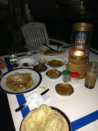 Jina's Vegetarian and Vegan Restaurant: Ужин на открытом воздухе