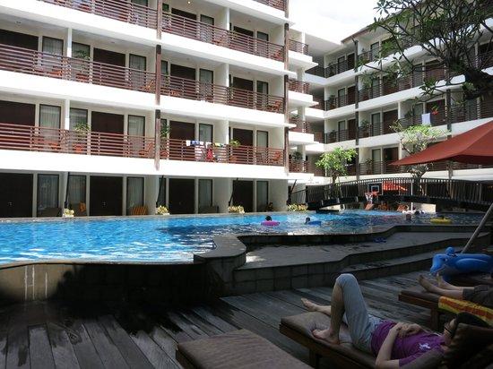Sun Island Hotel Kuta: pool