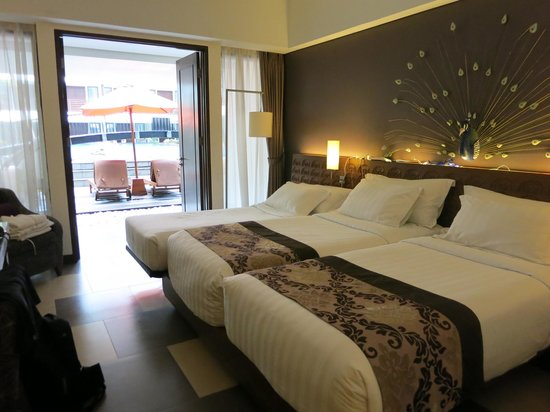 Sun Island Hotel & Spa Kuta : Deluxe room with pool view. Ground floor
