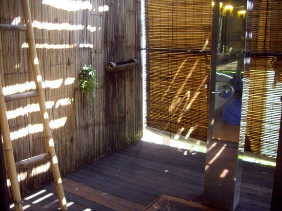 Bangkok Tree House: The best shower in Thailand
