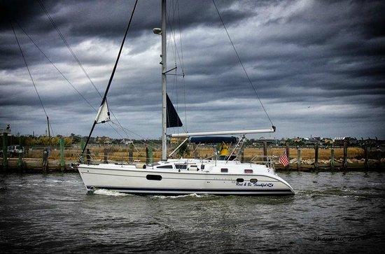 Kemah Boardwalk : Boats nearby
