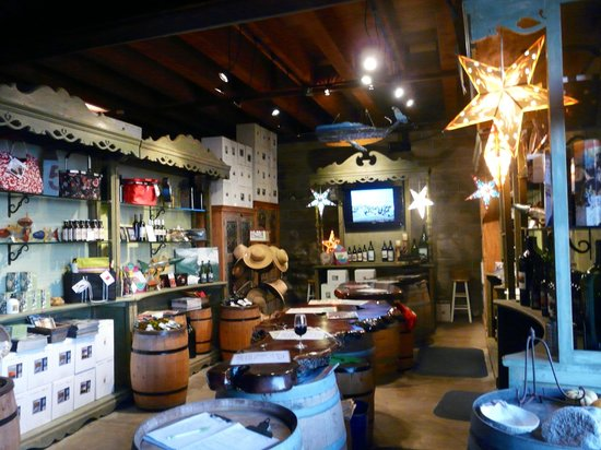 Pacific Star Winery: Tasting Room interior