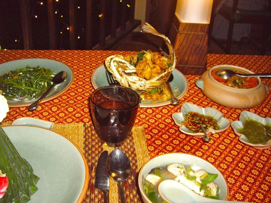 Chakrabongse Villas: Amazing private dinner