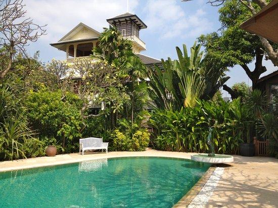 Chakrabongse Villas : Pool