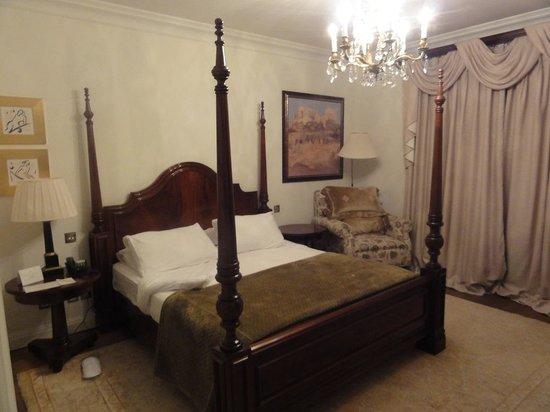 "Pentelikon Hotel: ""deluxe"" double room"