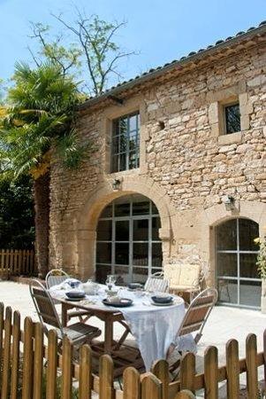 Moulin de Pattus: Ground floor gite private fenced terrace
