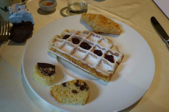 Luxury DolceVita Resort Preidlhof: Anche il waffle appena fatto!!