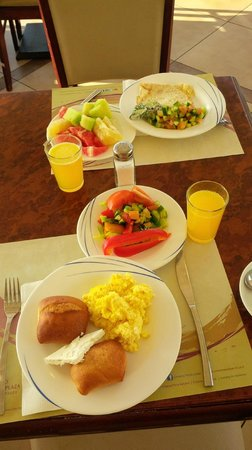 Crowne Plaza Hotel Eilat : Part of our delicious breakfast (made several trips)