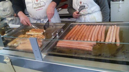 Münsterplatz: Mercato di Friburgo - I salsiccioni I