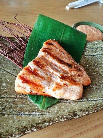 Midori Sushi: Salmon