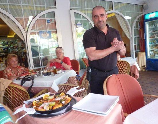 Paella 'El Cedro' mit Chefe