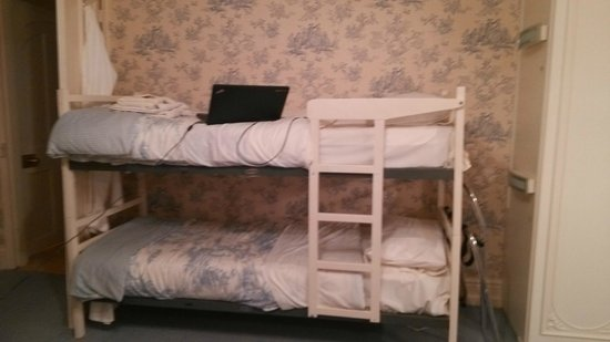 Lower Marsh Farm B & B: Bunk Bed in Family Room