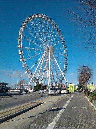 The Wheel of Rimini : ..Piazzale Boscovich..la ruota di Rimini