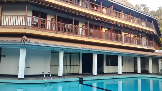 Hotel Hilltop : A view of rooms facing pool