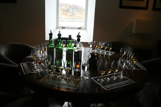 Laphroaig Distillery: Pre booked whisky tasting