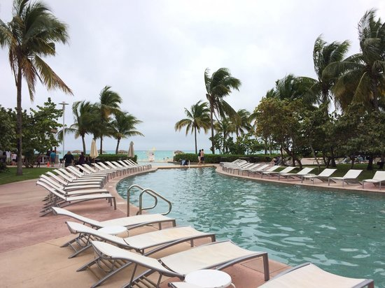 Grand Lucayan, Bahamas : One of the pools