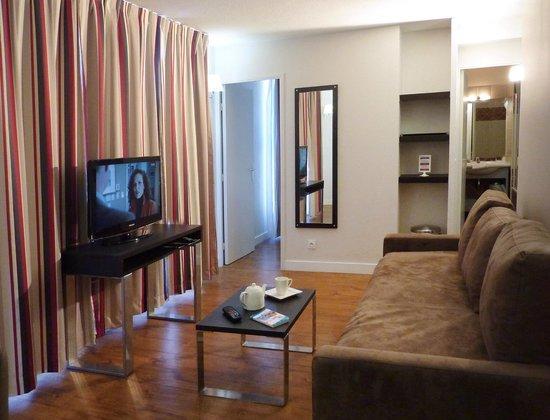 Appart'Hôtel Odalys Les Floridianes : Vue d'un appartement