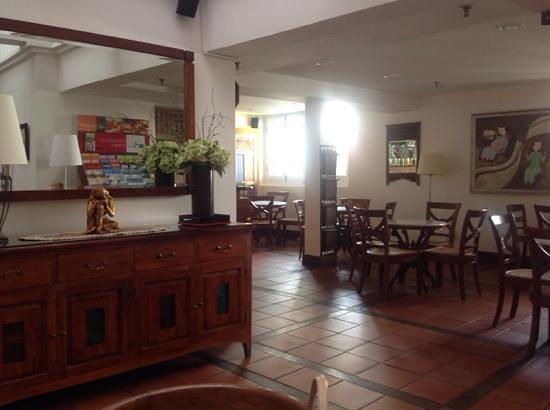 Perak Hotel : dining room