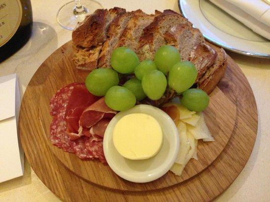 Villa Kennedy: Room service