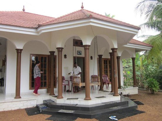 Coconut Creek Farm and Homestay: Front entrance
