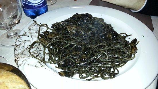 Kori Grill: Spaghetti alla Veneziana (nero di seppia)
