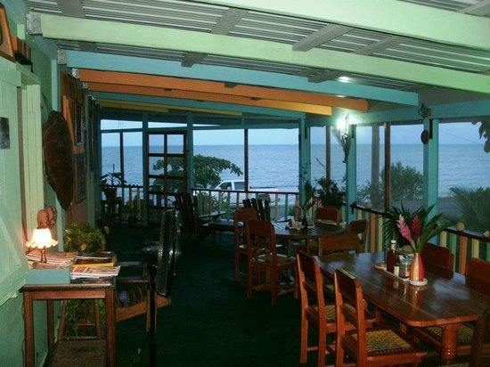 Mangrove Inn & Restaurant: Mangrove Restaurant - Beautiful Sea View & Food!