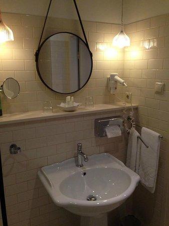 Casati Budapest Hotel : Ванная