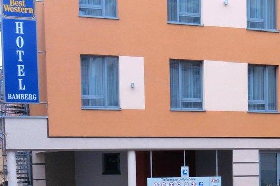 BEST WESTERN Hotel Bamberg: Отель расположен в центре, рядом - супермаркет