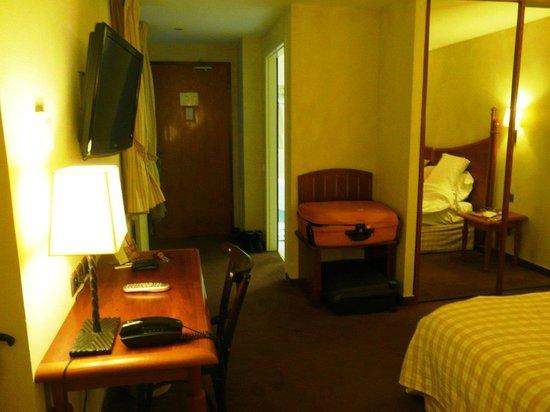 Hôtel Beaucour : Room Detail