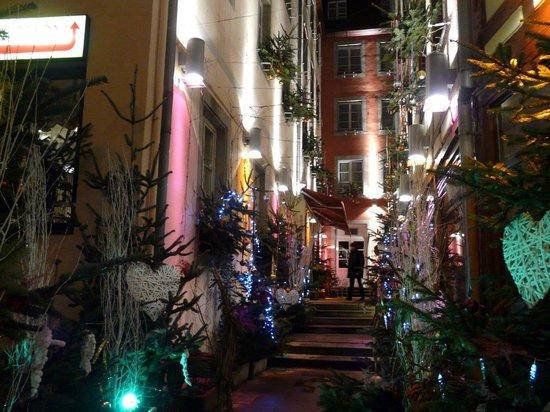 Romantik Hotel Beaucour: Hotel's Entrance