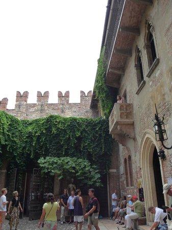 Casa di Giulietta: Джульетта + балкон