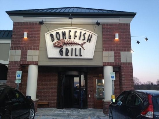 Bonefish Grill: Outside the restaurant