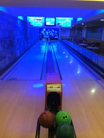 Nordic Hotel : Bowling alley